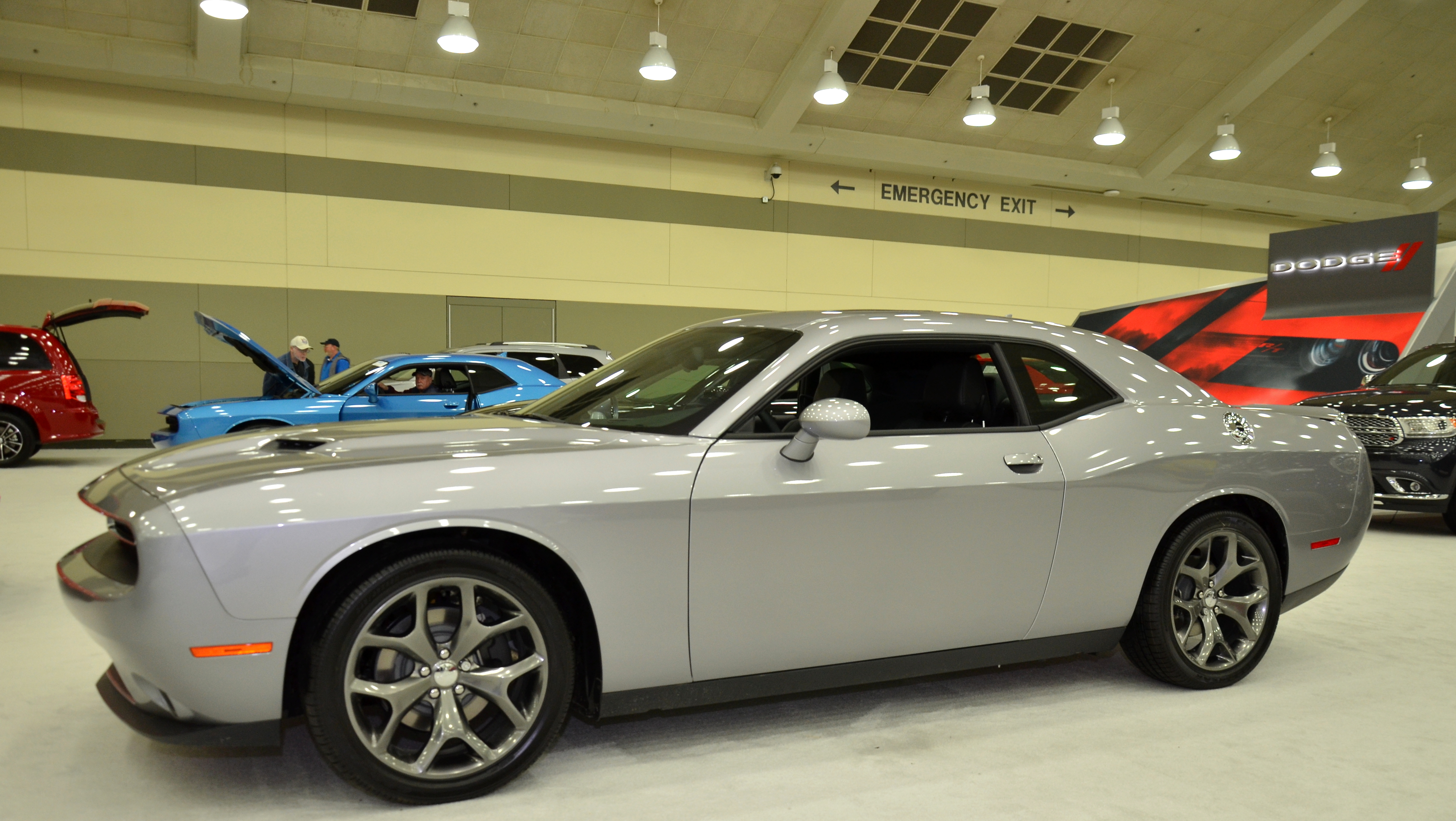 dodge plum and photo colors gallery crazy autoblog challenger photos charger